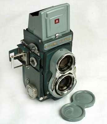 Vintage Roll Film Tlr (twin Lens Reflex) Camera Yashica 44 For 127 ...