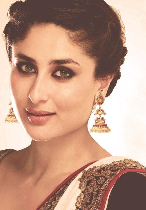 Cute Kareena Kapoor.. For More: www.foundpix.com #KareenaKapoor #BollywoodActress #Ho #Kareenat