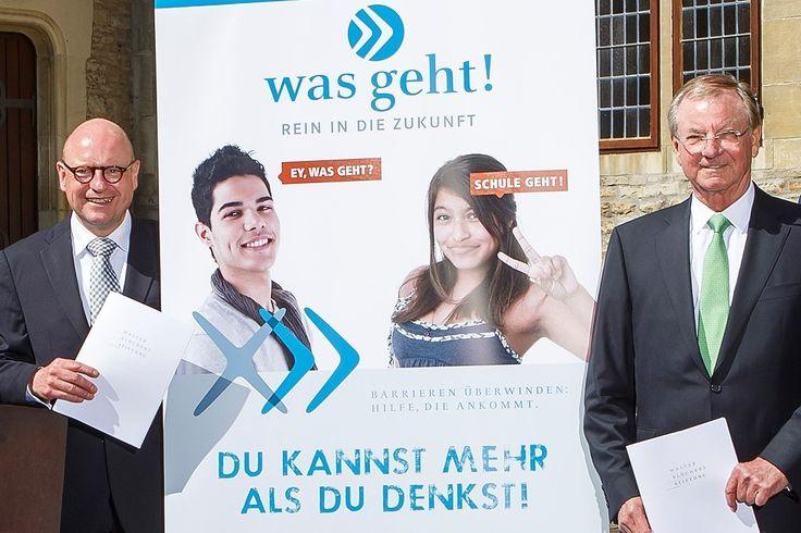 """https://www.stellencompass.de/fuer-die-jugendlichen-der-muensteraner-berufskollegs-was-geht-rein-in-die-zukunft/ Für die Jugendlichen der Münsteraner Berufskollegs: """"was geht! - Rein in die Zukunft"""" - Stadt, Walter Blüchert Stiftung und Arbeitsagentur kooperieren gd.ots.mh- Der Kooperationsvertrag ist unterschrieben: Zum neuen Schuljahr startet in Münster das Modellprojekt """"was geht! - Rein in die Zukunft"""" für Schülerinnen und Schüler der Berufsfachschulen Typ I und"""