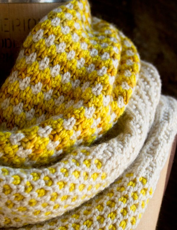 Whit's Knits: Stitch Block Cowl - The Purl Bee - Knitting Crochet Sewing Embroidery Crafts Patterns and Ideas!Crochet Sewing, Free Pattern, Crafts Pattern, Stitches Block Cowls, Knit Stitches, Embroidery Crafts, Knits Pattern, Knits Stitches, Purl Bees