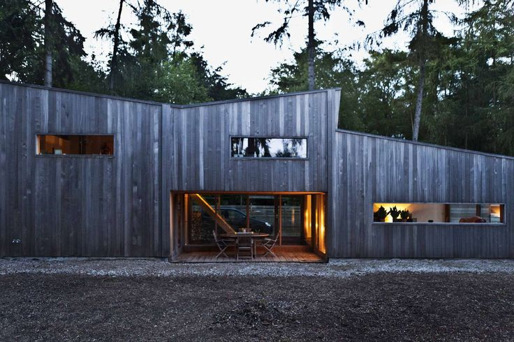 OYO, Open Y Office, created a small wooden house in Belgium. This single family house is located in a distant forest between some winsome, Flemish chalets. T...
