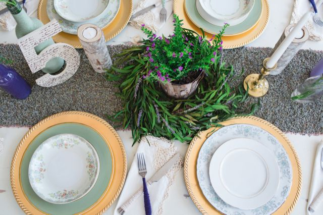 lavender seed table runner / Izzy Hudgins photography