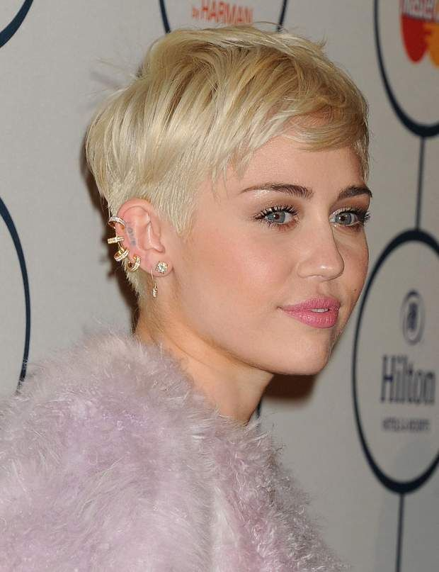 Best 25 miley cyrus short hair ideas on pinterest miley - Coupe courte blonde ...