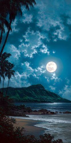 Moon over Diamondhead Honolulu Hawaii