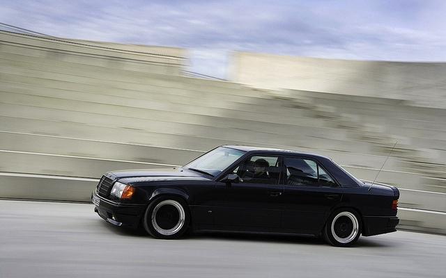 AMG Mercedes-Benz 300E 5.6 (W124)