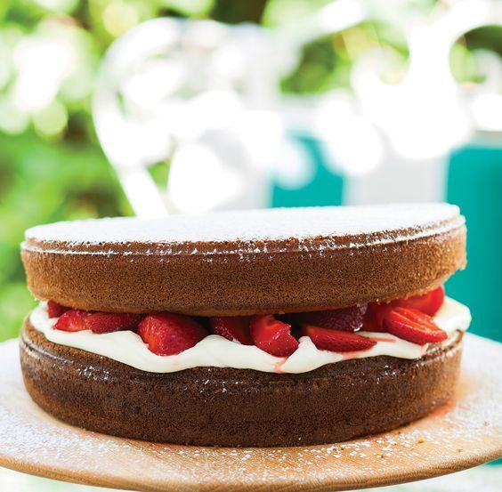 Hot-milk sponge cake with strawberries and double-thick cream | Woolworths TASTE