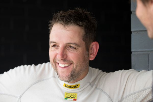 Saturday Wrap: V8 Supercars sydney.com SuperTest
