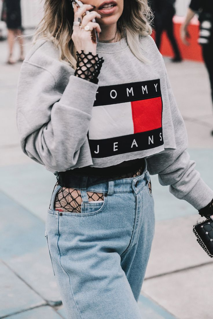 Street Style en Tommyland, febrero 2017 © Diego Anciano  #RePin by Dostinja - WTF IS FASHION featuring my thoughts, inspirations & personal style -> http://www.wtfisfashion.com/