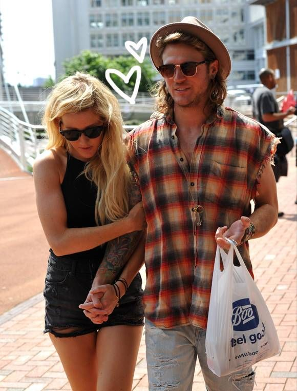 Ellie Goulding Enjoyed An Afternoon Delight With Rumored Boy Toy Dougie Poytner!