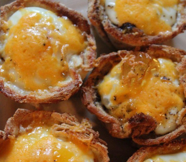 近年大人気のパンケーキから、話題のダッチベイビーやクロワッサンサンドウィッチまで、キャンプで作れる本格美味しい朝ごはんレシピをまとめてみました。
