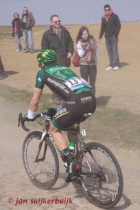 Nr. 13 in de koers. Parijs-Roubaix 2013.