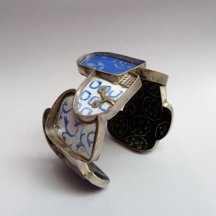 Unique piece Bracelet  Casitecturas Series  Author  Silvia Walz 2007   Materials Silver, Resins, mosaic,