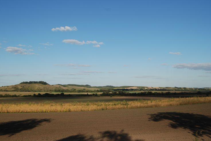 Wzgórze Łuczyce z fortem GW nr III oraz grupa forteczna Jaksmanic - widok z Hermanowic.