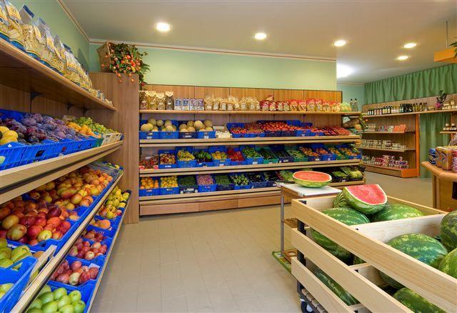 71 migliori immagini arredo frutta e verdura su pinterest for Piani di costruzione di negozi gratuiti