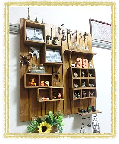 セリアの素材で作る飾り棚。壁面をお洒落に飾るインテリア術。 | iemo[イエモ]
