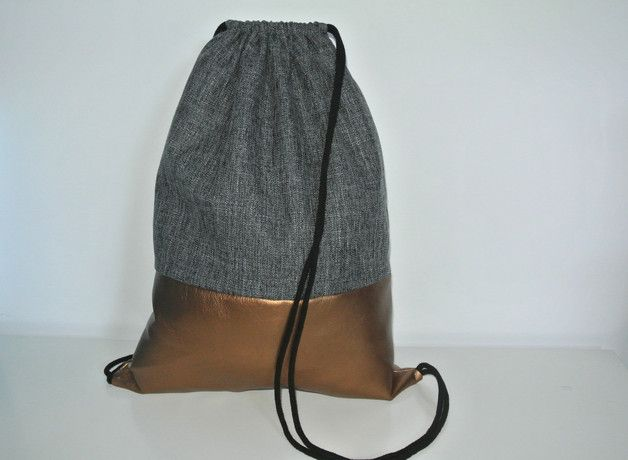 Schöner Turnbeutel aus dickem sehr reißfestem grauem Interieurstoff und kupferfarbenem Kunstleder -  schwarze Baumwollkordeln