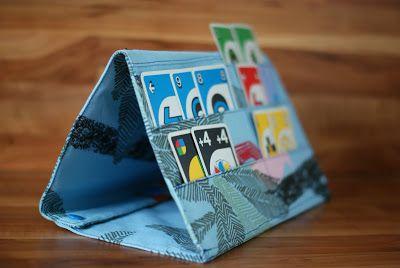 Monas Handarbeitswerkstatt: Spielkartenhalter Keine Anleitung, aber gut als Anregung :)