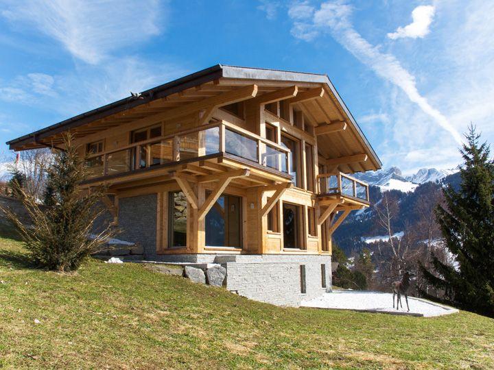 Best 25 swiss chalet ideas on pinterest chalets modern for Swiss chalets for sale