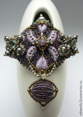 Beautiful brooches by Krisitina Adams | Beads Magic