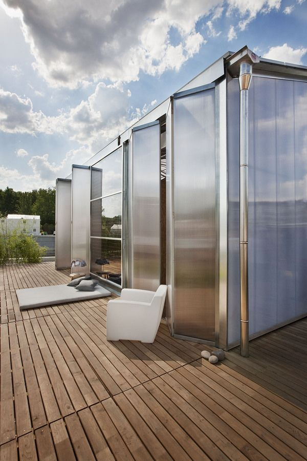 Beautiful self-sufficient solar home in Madrid.
