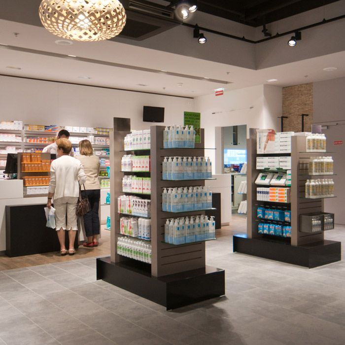 PHARMACIE PARAPHARMACIE / centre commercial / agencement pharmacie design / retail / beauty / display / concept/ Architecture Intérieure MAYELLE / Photographie Pierre Rogeaux