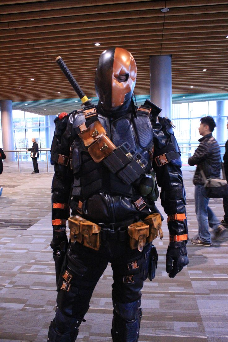Character: Deathstroke (Slade Wilson) / From: Warner Bros. Interactive Entertainment's 'Batman: Arkham Origins' Video Game / Cosplayer: Unknown / Event: FanExpo Vancouver 2014