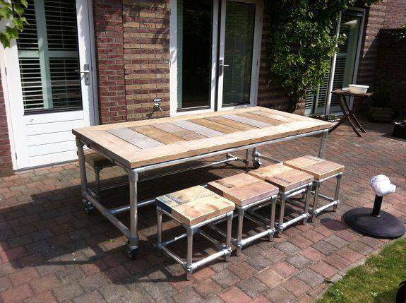 Steigerbuis tafel met steigerhout