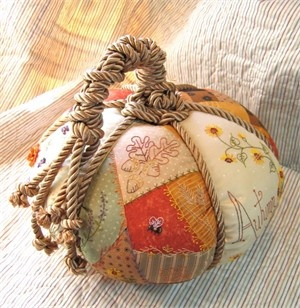 Patchwork Pumpkin: Pumpkin Crafts, Quilts Patterns, Fall Decor, Pin Cushions, Patchwork Pumpkin, Crabappl Hill, Pincushion Patterns, Hill Studios, Pincushions