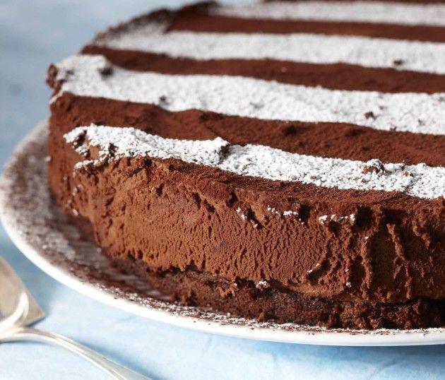 Suklaa-tryffelikakku