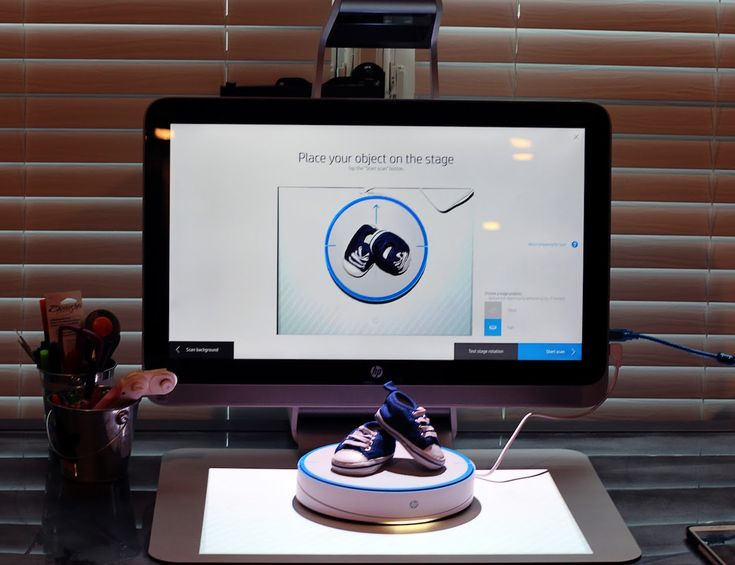 Get impeccably accurate scans for your next print with the HP 3D Capture Stage for Sprout.