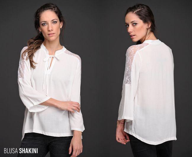 ¡#Tendencias para todas! La Blusa Shakini, de la colección Talles Amplios, tiene un hermoso detalle de encaje al tono y un estilo femenino y sensual. #TallesAmplios #TallesGrandes #Blusas #Encaje
