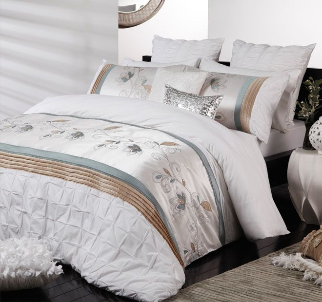 Logan and Mason Ultima Eloise Quilt Cover Set Range Aquamarine