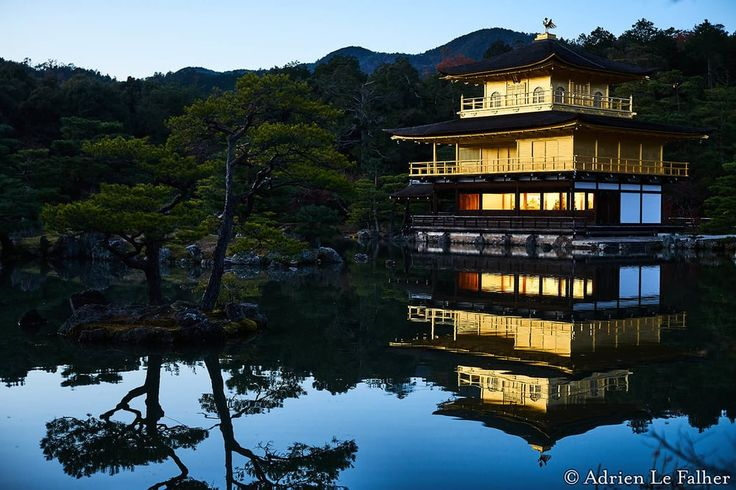A classic: Kinkaku Ji the golden temple at twillight by Adrien Le Falher [OC] [1000x667]