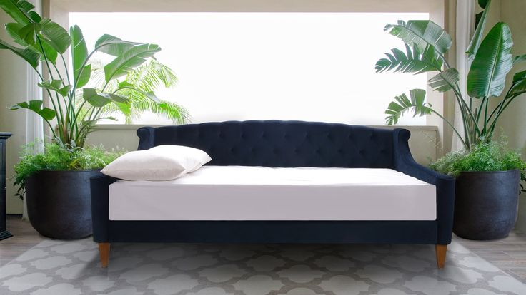 Best 25 Upholstered Daybed Ideas On Pinterest Daybeds