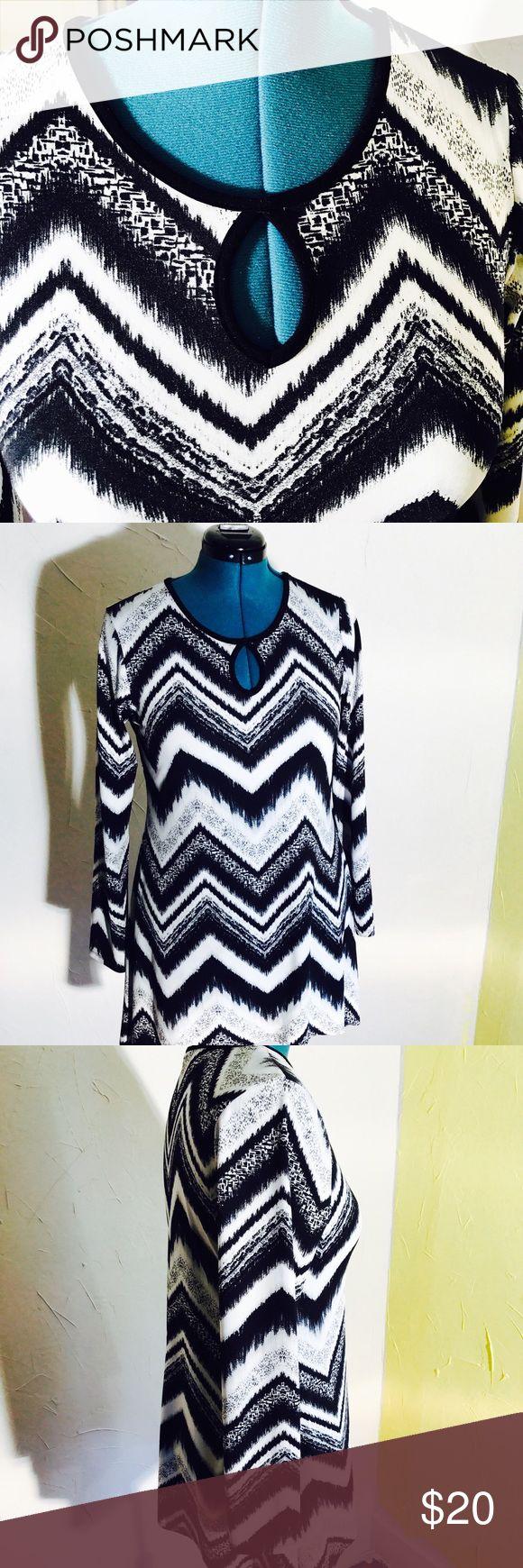 "Chevron print dress tunic Chevron print dress can be worn as tunic.keyhole neckline long sleeve. Size medium length 34""/chest 22""/shoulder 15""/waist 18""/Hip 24""/bottom width 37""/sleeve length 24"" faith and joy Dresses Mini"