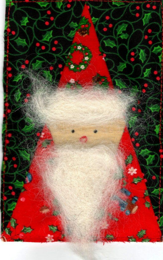 Meine vielen Wichtel im Wald und natürlich auch ich möchten allen ein Frohes, gemütliches Weihnachtsfest   und einen guten Rutsch ins Neue Jahr 2014 wünschen.  Ich hoffe, wir treffen uns auch 2014 hier im Blog wieder.  Neue Ideen und Arbeiten, die ich hier zeigen möchte, sind schon am Entstehen.  Doch jetzt noch kurz etwas über diese Wichtel - Weihnachtsmänner:  Jedes Jahr begrüße ...
