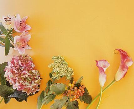 Herbststrauß aus Lilien, Calla und Fetthenne