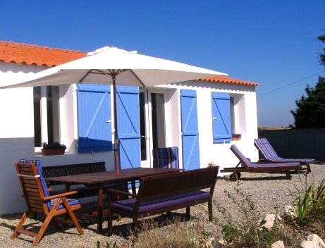 Wonen op 800m van de Atlantische oceaan: vakantieparadijsje met 3 gastenkamers en 2 vakantiewoningen