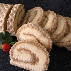 Roláda s karamelovo-kokosovou náplňou   recepty pečenie   koláče, zákusky, torty   najpečenie.sk