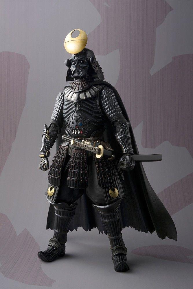 <p> Ecco il nuovo Darth Vader versione Samurai versione Death Star da Tamashii Nations! La figura ha dettagli presenta elementi della cultura dei samurai (l'armatura e la maschera) mescolati sapientemente a quelli tipici del personaggio (la spada laser e il mantello). La figura dispone di due spade e di alcune mani intercambiabili. Rispetto alla precedente edizione, l'elmetto e il busto si differenziano per una decorazione a tema Death Star.</p>