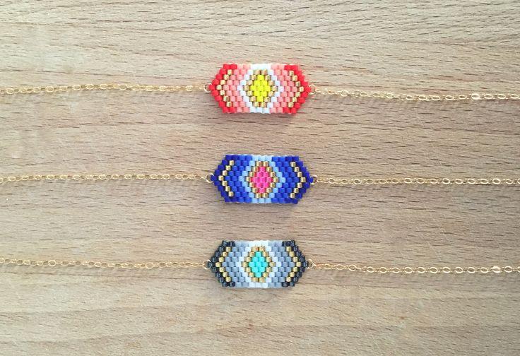 Epinglé par le site de fournitures de loisirs créatifs DIY https://la-petite-epicerie.fr/fr/  Bracelet Fin Perles Tissées Géométriques Chaine or 14k