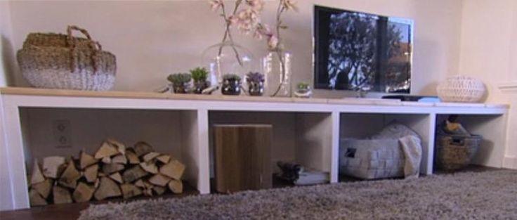 Bekijk de foto van 1994D met als titel tv meubel zelf maken, om te toveren tot laag kleurtafeltje of (met kussens) zitbankje  eigenhuisentuin.  nl/verbouwen/klusindex/basisklussen/een-zelfgemaakt-tv-meubel/#.UqYS29LuKQE en andere inspirerende plaatjes op Welke.nl.