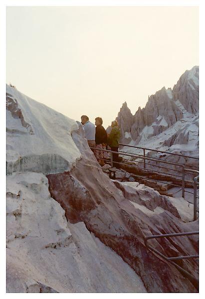 Luigi Ghirri, Rimini, 1977, C-print, 5 7/8 x 4 inches; 15 x 10 cm