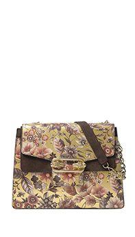¿Has visto la nueva colección de Uterqüe?, pues tenemos para ti nuestros últimos diseños en ropa, bolsos, complementos y zapatos