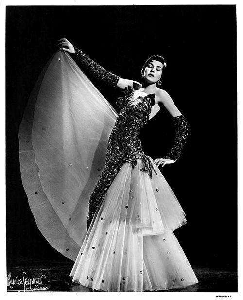 TamaraBurlesque Gowns, Vintage Burlesque Costumes, Beautiful Costumes, Burlesque Dresses, Burlesque Pin Up, Burlesque Punk, Burlesque Beautiful, Tamara Burlesque, Beautiful Burlesque