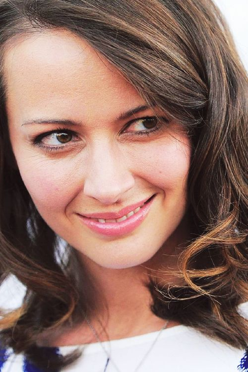 Amy Acker as Andrea Barr.  S01E03 - Dead in the Water
