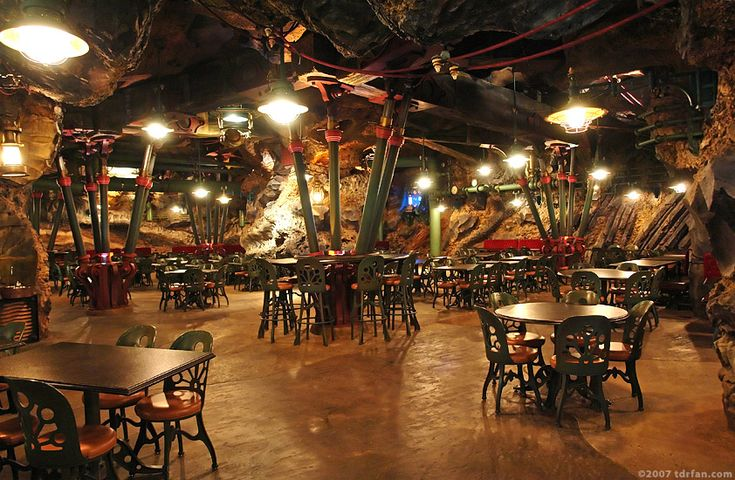 disneyland tokyo restaurants | ... / Tokyo DisneySea Park / Mysterious Island / Vulcania Restaurant