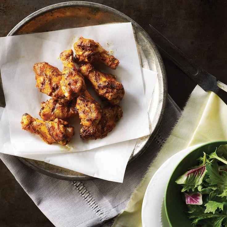 Le pain naan grillé est un bon accompagnement à ces ailes savoureuses. | Le Poulet du Québec