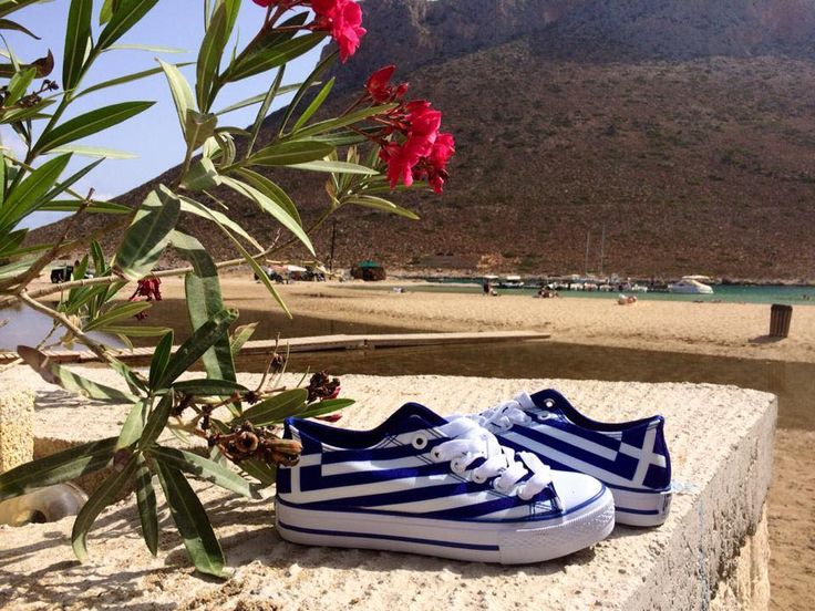 Summer memories from Greece 🇬🇷  Thank you so much for this amazing photo Ann Christin Sleveland ❤️ Find yours at: http://celdes.com/all/88-greek-flag-greece.html #exploreceldes #exploretheworld #greece