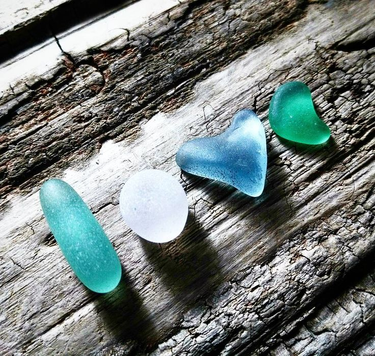 ✨ I'm feeling thankful to have reached 2000 followers so I'm holding a giveaway to show my L O V E to all of you! Details Sunday!!! ✨ #seaglass #giveaways #seaglasslove